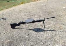 在第二次世界大战期间的假手工小型武器 过去战争黑军备样品  库存图片