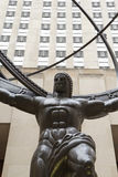 在第五个ave的地图集雕象在曼哈顿 库存图片