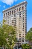 在第5条大道的Flatiron大厦在麦迪逊广场公园附近 都市 免版税图库摄影