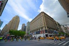 在第34条街道上的先驱广场, NYC,美国 免版税库存照片