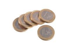在简单的白色背景的欧洲硬币 免版税库存照片
