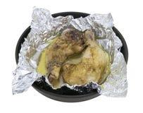 在箔烘烤的鸡 免版税库存照片