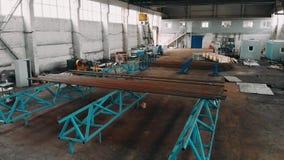 在管子工厂的寄生虫飞行 生产室 行业大商店 鸟瞰图 4K 影视素材