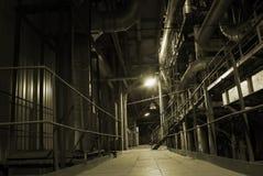 在管道工厂里面的能源 图库摄影