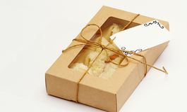 在箱子包装的运气曲奇饼 免版税库存图片