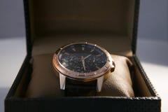 在箱子显示和包装的豪华精神手表 图库摄影