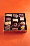 在箱子的巧克力 图库摄影