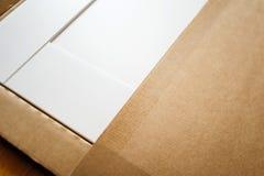 在箱子的新的家具 库存图片