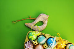 在箱子3的五颜六色的鸡蛋 免版税图库摄影