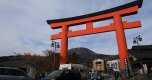 在箱根寺庙前面的大宗教门在静冈日本 影视素材
