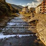 在箱根Yumoto村庄的早晨太阳 库存图片