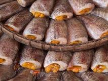 在篮子的各式各样的鱼 库存照片