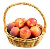 在篮子的桃子 免版税图库摄影