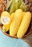 在篮子的玉米 图库摄影