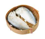 在篮子的鲭鱼 免版税库存图片