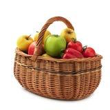 在篮子的水果和蔬菜 免版税库存照片