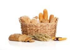 在篮子2的面包 库存图片