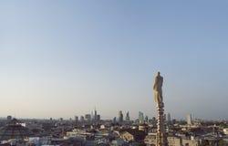 在米兰的看法从哥特式大教堂中央寺院二米兰,意大利 免版税图库摄影