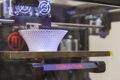 在米兰设计星期20期间, 3D在显示的打印机在Fuorisalone 库存图片