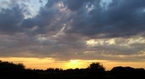 在米尔顿共同性,南海城,英国的日落 库存图片