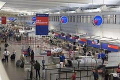 在米尼亚波尼斯国际机场登记区域在明尼苏达 免版税库存照片