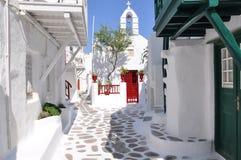 在米科诺斯岛海岛上的传统街道视图  库存图片