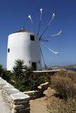 在米科诺斯岛海岛上的风车在希腊 免版税图库摄影