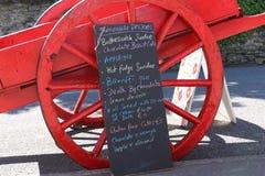 在粉笔板的五颜六色的菜单,爱尔兰 库存图片