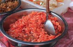 在糖浆的干红色虾 库存照片