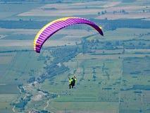在索波特的滑翔伞 免版税库存照片