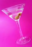 在紫色的马蒂尼鸡尾酒 库存图片