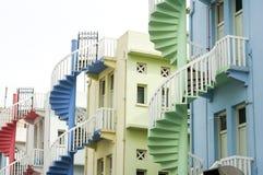 五颜六色的螺旋形楼梯新加坡市 免版税库存图片
