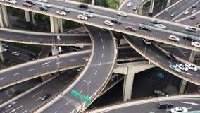 在繁忙的高的公路交叉点&地平线,上海的看法 股票视频