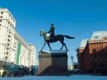 在红场的茹科夫纪念碑 免版税库存图片