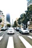 在红绿灯的汽车在旧金山 图库摄影