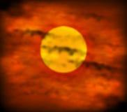 在红色天空的日落 免版税图库摄影