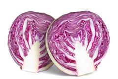 在红色白色的圆白菜一半 库存图片