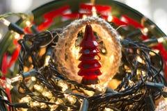 在红色的圣诞树 免版税库存照片