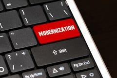 在红色的现代化进入在黑键盘的按钮 库存图片