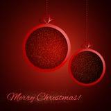 在红色背景的抽象光亮的圣诞节球 免版税库存图片