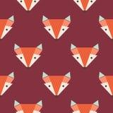 在红色背景的橙色狐狸的头 逗人喜爱的狐狸无缝的样式 免版税库存图片