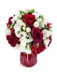 在红色花瓶的花花束 库存照片