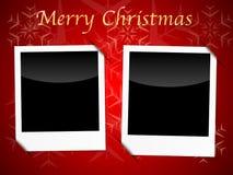 在红色雪花背景的圣诞卡模板 免版税库存图片