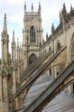 在约克大教堂的拱式扶垛 库存照片