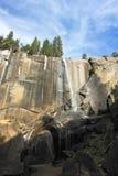 在约塞米蒂国家公园的春天秋天,加利福尼亚 免版税库存图片