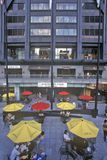 在约翰・汉考克大厦的室外Cafï ¿ ½,芝加哥,伊利诺伊 免版税库存图片