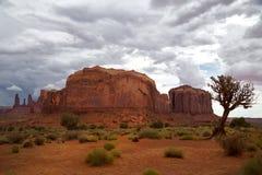 在纪念碑谷的小山 免版税图库摄影