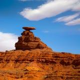 在纪念碑谷附近的墨西哥帽美国163风景路 免版税库存照片