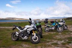 在纬度54的摩托车在乌斯怀亚,阿根廷 免版税库存图片