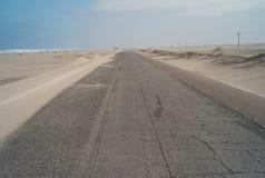 在纳斯卡,秘鲁南部的泛美的高速公路 免版税库存照片